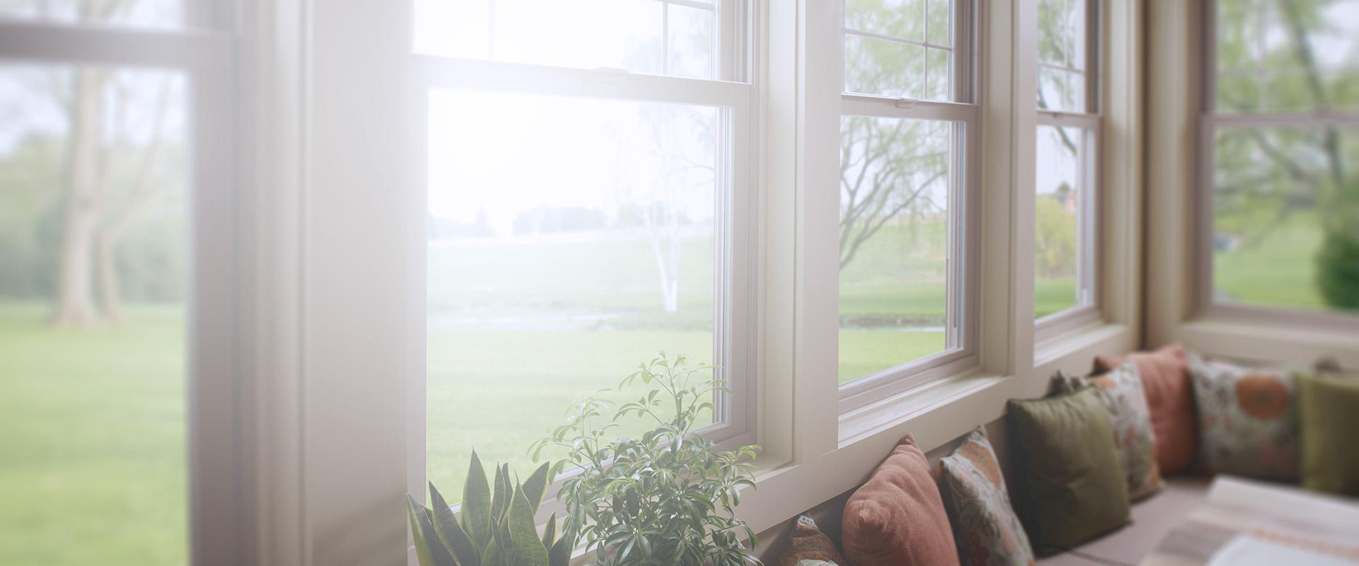 Картинка фоновая окно в коттедж